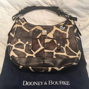 Gorgeous Dooney and Bourke bag! Rare!